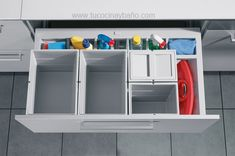 Hailo Built-in technology offers a large range of optimal solutions for the kitchen industry, stretching from fitted waste bins through fitted waste separation systems to making the most of limited space with brilliant organisation systems. Inset Cabinets, Kitchen Cupboards, Cocina Office, Side Wall, Locker Storage, Sink, Sweet Home, Interior, Furniture