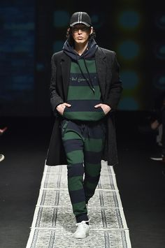 Münn Seoul Fall 2017 Collection Photos - Vogue