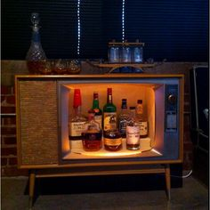 Vintage TV finally converted into a whiskey bar. Home Decor Items, Diy Home Decor, Vintage Bar, Bar Drinks, Old Tv, Mid Century Furniture, Creative Decor, Upcycled Furniture, Bars For Home