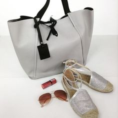 Co powiecie na taki letni zestaw? Torbę ze skóry oraz espadryle znajdziecie oczywiście na www.cervandone.pl 😍 #cervandone #wwwcervandonepl #cervandone_pl #bags #leatherbag #shoes #espadrilles #espadryle #shoesaddict #shoeslover #shoesforsale #bagshop #bagsaddict #bagslover #bagsforsale #styleinspiration #inspiration #fashion #grey #greybag #grayshoes #sunglasses #summerstyle 👠👜💖