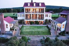P. Allen Smith's Garden Home Retreat is on the other side of the river from where I live!  Some day, I would love to take a tour.