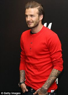 Life after football. David Beckham gets back to his day job as he signs H&M pants in Paris David Und Victoria Beckham, Victoria And David, David Beckham Family, David Beckham Style, Celebridades Fashion, Harper Beckham, Bend It Like Beckham, Attractive Men, Beard Styles