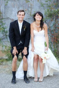 silly bride and groom shot #funny #wedding