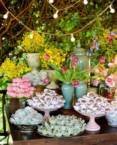 Colorful ��. http://www.rejanewolff.com.br/ #wedding #weddingday #wedding2017 #weddinginspiration #weddingideas #weddingparty #colorful #candycolors #tabledecor #casamento #casamentoaoarlivre #sweets #tablesweets #yellow #blue #pink #green #weddingcakes #weddingsweets http://gelinshop.com/ipost/1524203875652012623/?code=BUnD1ltgwpP
