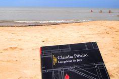 Lectura en la playa... ¡un placer!