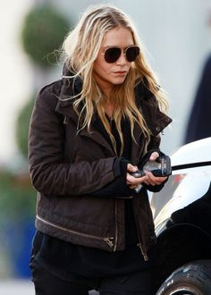 OLSENS ANONYMOUS BLOG MKMARY KATE OLSEN FASHION STYLE BLOG AVIATOR SUNGLASSES BROWN JACKET BLACK SWEATER SHIRT BLACK DENIM JEANS GOLD EMERALD RING BLACK BERRY WEST HOLLYWOOD LOS ANGELES