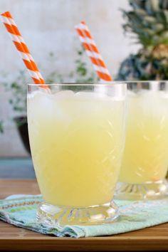 lemonade punch Pineapple Lemonade Ingredient Punch} - Miss in the Kitchen Pineapple Lemonade Ingredient Punch} - Miss in the Kitchen Pineapple Cocktail, Pineapple Drinks, Pineapple Margarita, Pineapple Lemonade, Lemonade Cocktail, Strawberry Lemonade, Fruity Cocktails, Frozen Cocktails, Easy Cocktails