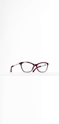 760e95a36baa The Eyewear collection on the CHANEL official website 3330h Chanel Official  Website
