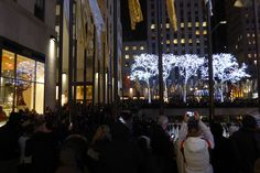 Enjoying the skating and Christmas tree at 30 Rock (along with the 127,000 other people)