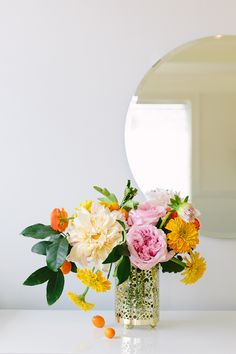 Orange, peach and pink bouquet //