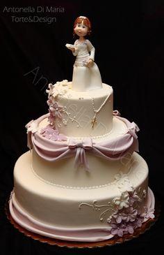 tarta con detalles lilas