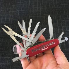 Reboot Knife - MacGyver Online