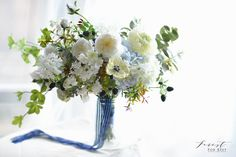 Silk flower bouquet  Facebook: Forest for Rest flowers: anemone, garden rose, patience, blue and white, leafy Silk Flower Bouquets, Silk Flowers, Flower Art, Glass Vase, Blue And White, Bride, Patience, Garden, Rest