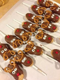 I've seen many variations of these cookie pops on different blogs and websites. I had to give them a try during this holiday season. I love making desserts that make the kids smile!  #HolidayCookies #Reindeer