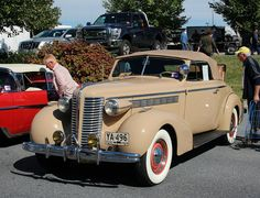 1938 Buick Special convertible authorbryanblake.blogspot.com.