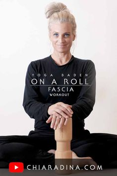 Test of Holzfit 100 % natural wooden massage roller for effectively releasing deep fascia. We are going to work the myofascial back lines in a 5 minute, guided workout inspiration to release calves, hamstrings, lower back & neck. #fascia #fasciaroller #holzfit #trainfascia