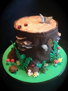 - Woodland Tree Stump Cake for my Mother's ~I was given specific instructions that 60 was NOT to appear anywhere on this cake :) Pretty Cakes, Beautiful Cakes, Amazing Cakes, Torta Matilda, Fondant Cakes, Cupcake Cakes, Fondant Cake Designs, Cake Fondant, 3d Cakes