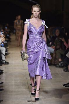Pin for Later: Die 12 größten Modetrends der Fashion Weeks Herbst/Winter 2016  Miu Miu Herbst/Winter 2016