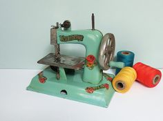 1940s KAY-an-EE Sew Master Toy Sewing Machine in Light Green with Flower Decals