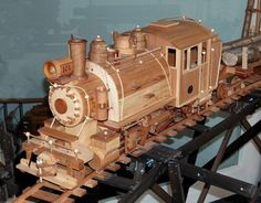 Wooden Toy Train, Wooden Truck, Woodworking Courses, Woodworking School, Small Wood Projects, Wood Turning Projects, Train Truck, Wooden Crafts, Wood Toys