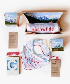 Ein Geschenk für die Gipfelstürmerin von morgen! Mit diesem Package heißt ihr die liabe, kloane Erdenbürgerin herzlich willkommen. Packaging, Welcome, Earth, Parents, Mornings, Wrapping