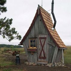 Reminds me of the little cabin that the Grandpa from 'Chitty Chitty Bang Bang' would hang out in.  LOL!