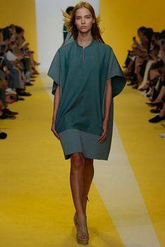 2017春夏プレタポルテ - アクリス(AKRIS) ランウェイ|コレクション(ファッションショー)|VOGUE JAPAN