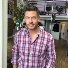 Jesse Palmer My man Pal at @salonletube keepin me high n tight in Montréal ✂️ #CutTheLettuce #Haircut #HighNTight #Montreal #OldPort