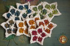 Fabulous star pattern by Charissa Ragsdale.  Available as a free download from the Ravelry Website.