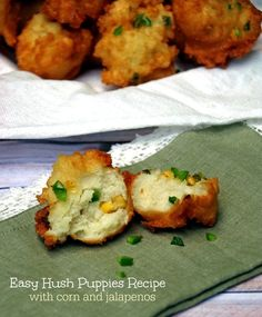 Easy Hush puppies Recipe with Corn and Jalapeno Easy Hush Puppies Rezept mit Mais und Jalapenos 2 Hush Puppies Recipe With Corn, Easy Hush Puppy Recipe, Jalapeno Corn Fritters Recipe, Jalapeno Recipes, Corn Fritter Recipes, Corn Recipes, Recipies, Gastronomia, Diets