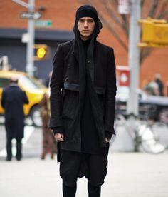 James Gillespie Le 21 Arrondisement all black mens look street style mens style blog 2, http://21arrondissement.com/2012/03/james-gillespie/