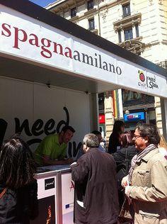 """La información a pie de calle! """"La Spagna a Milano"""" Andalucía presente en Italia para atraer este mercado!"""