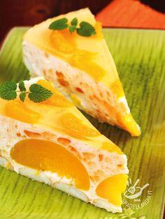 La Torta di pesche e scorzette di arancia è un dolce a base di frutta freschissimo e delicato, che sa essere raffinato ed elegante all'occorrenza! Something Sweet, Cheesecake, Deserts, Pudding, Fish, Baking, Ethnic Recipes, Beautiful, Sweet Recipes