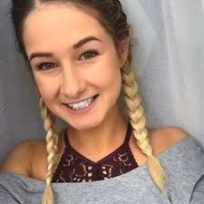 """Résultat de recherche d'images pour """"emma verde"""" Emma Verde, Blonde Hair, Prada, Hairstyle, Fan, Cool Stuff, Youtube, People, Photos"""