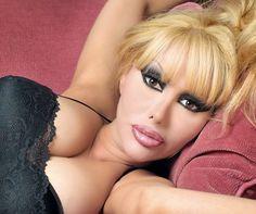 Raquel Fox.