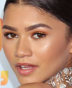 Close-up of Zendaya at the 2017 Kids' Choice Awards.