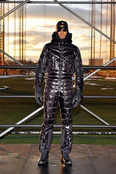 Cool Jackets, Winter Jackets, Sport Fashion, Mens Fashion, Athletic Fashion, Athletic Style, Down Suit, Winter Suit, Pvc Raincoat