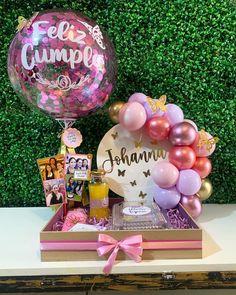 Birthday Cake Gift, Birthday Box, Best Friend Birthday, Birthday Centerpieces, Birthday Decorations, Cupcake Factory, Flower Box Gift, Balloon Arrangements, Balloon Gift