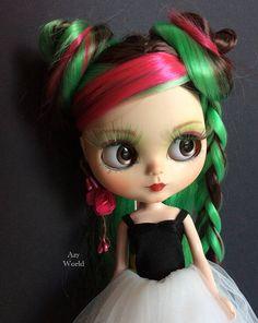 Custom Blythe doll made by Azy World Available on: www.etsy.com/listing/569820286