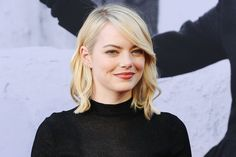 Emma Stone Beats Jennifer Aniston & Jennifer Lawrence To Top Forbes' Highest-Paid Actresses List - Xania News Jennifer Lawrence, Jennifer Aniston, Pretty Hairstyles, Wedding Hairstyles, Emma Stone Hair, Strawberry Blonde Hair, Platinum Blonde, Celebrity Hairstyles, Her Hair