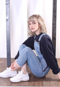 Denim Overalls Outfit, Overalls Fashion, Overalls Women, Fashion Outfits, Blue Overalls, Retro Outfits, Grunge Outfits, Vintage Outfits, Cool Outfits