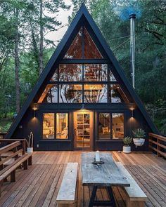 Chalet Design, Cabin Design, Tiny House Design, Design City, Loft Design, Tiny House Cabin, Tiny House Plans, Cabin Homes, Tiny Houses