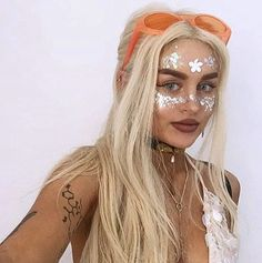 The amazzzzin pixie babe Mika Francis, owner of YouTube channel and blog Wild Daze rocking The Moon Child glitter at Hideout Festival - available here: http://www.themoonchild.co.uk/product/glitter