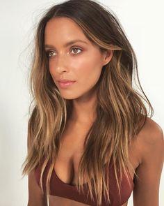 Brown Hair Balayage, Balayage Brunette, Hair Color Balayage, Brunette Hair, Honey Balayage, Sunkissed Hair Brunette, Brown Blonde Hair, Summer Hairstyles, Cool Hairstyles