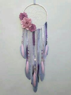 Flower dream catcher by Inspired Soul Shop on Etsy. Dreamcatcher decor is beautiful for any bedroom, nursery, or living space. This flower boho Diy And Crafts, Arts And Crafts, Kids Crafts, Los Dreamcatchers, Boho Bedroom Decor, Nursery Decor, Bedroom Vintage, Trendy Bedroom, Boho Baby