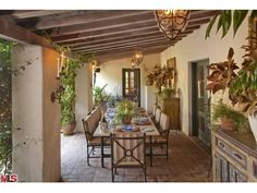 430 Amapola Ln, Los Angeles, CA Luxury Real Estate Property - MLS# 12-616731 - Coldwell Banker Previews International