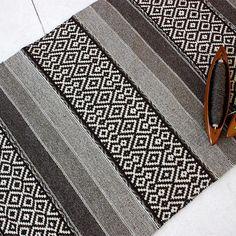 Handwoven wool rug in natural brown beige and white colors Loom Weaving, Hand Weaving, Felt Pictures, Weaving Designs, Rugs On Carpet, Woven Rug, Handmade Rugs, Craft, Rugs
