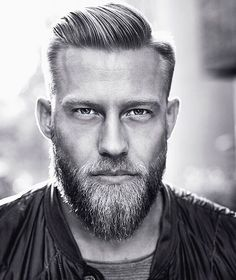 I just might move to Norway! #stianbjornes #Foto @resifotograf #barbershop @h2barberandsons