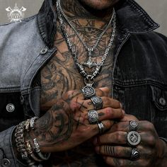 Odins-Glory is a Viking jewelry brand for men and women offering authentic and innovative designs based on Viking culture. Hand Tattoos, Girl Tattoos, Tattoos For Guys, Men Accesories, Fashion Accessories, Bohemian Style Men, Neue Outfits, Viking Jewelry, Jewelry Branding