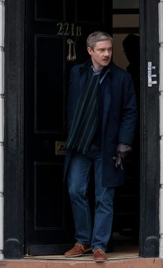 2013 05 21 - London - ' Sherlock ' Season 03 Filming by Brian Mackness  Approximately [1200 x 2000 pixels]